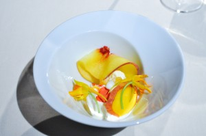 mugaritz peach peppercorn ice cream