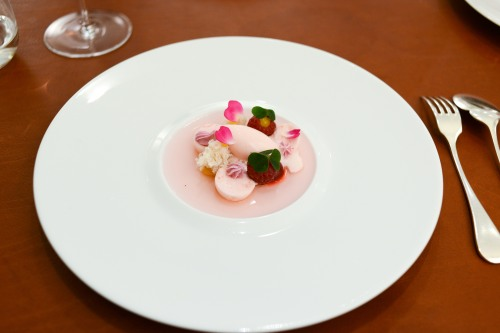 l'air du temps strawberry mousse